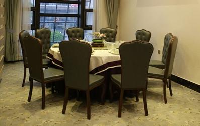让好家具走进每个一个餐厅,真正有100%无污染的餐厅家具吗?